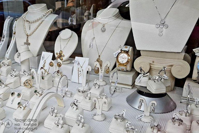 Серебряные изделия Кипра